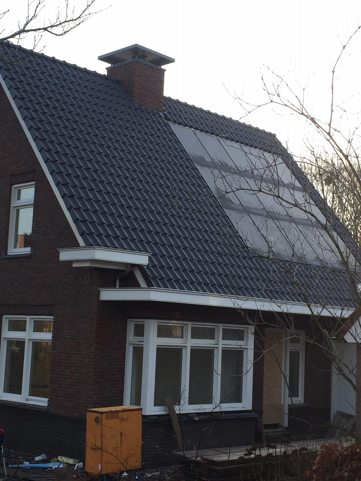 Zonnepanelen in het dak verwerkt